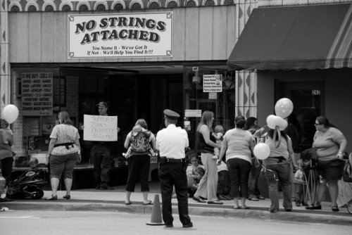 no strings attached dekalb illinois